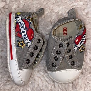 Old Navy crib shoes never worn